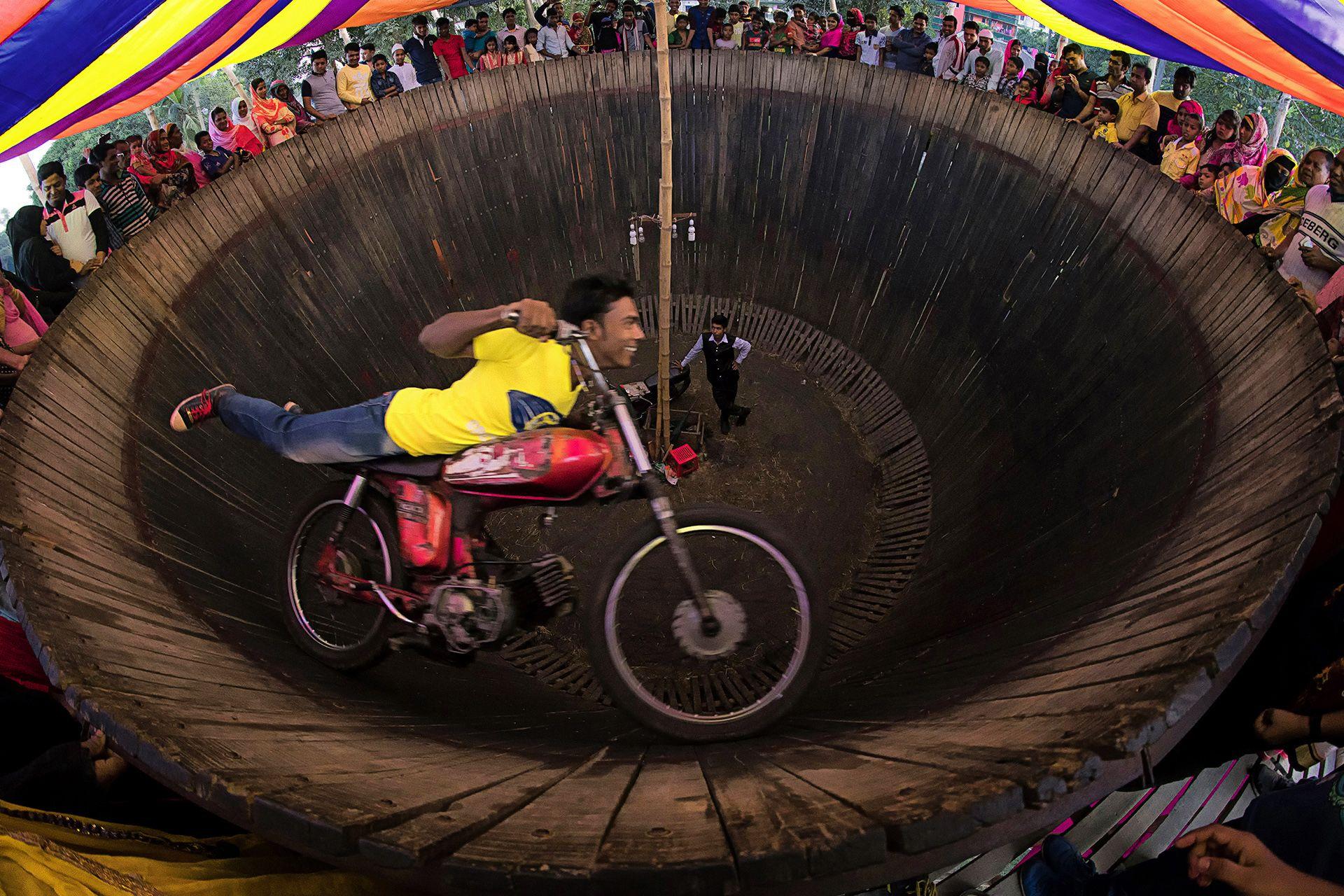 Wall Of Death Stunt