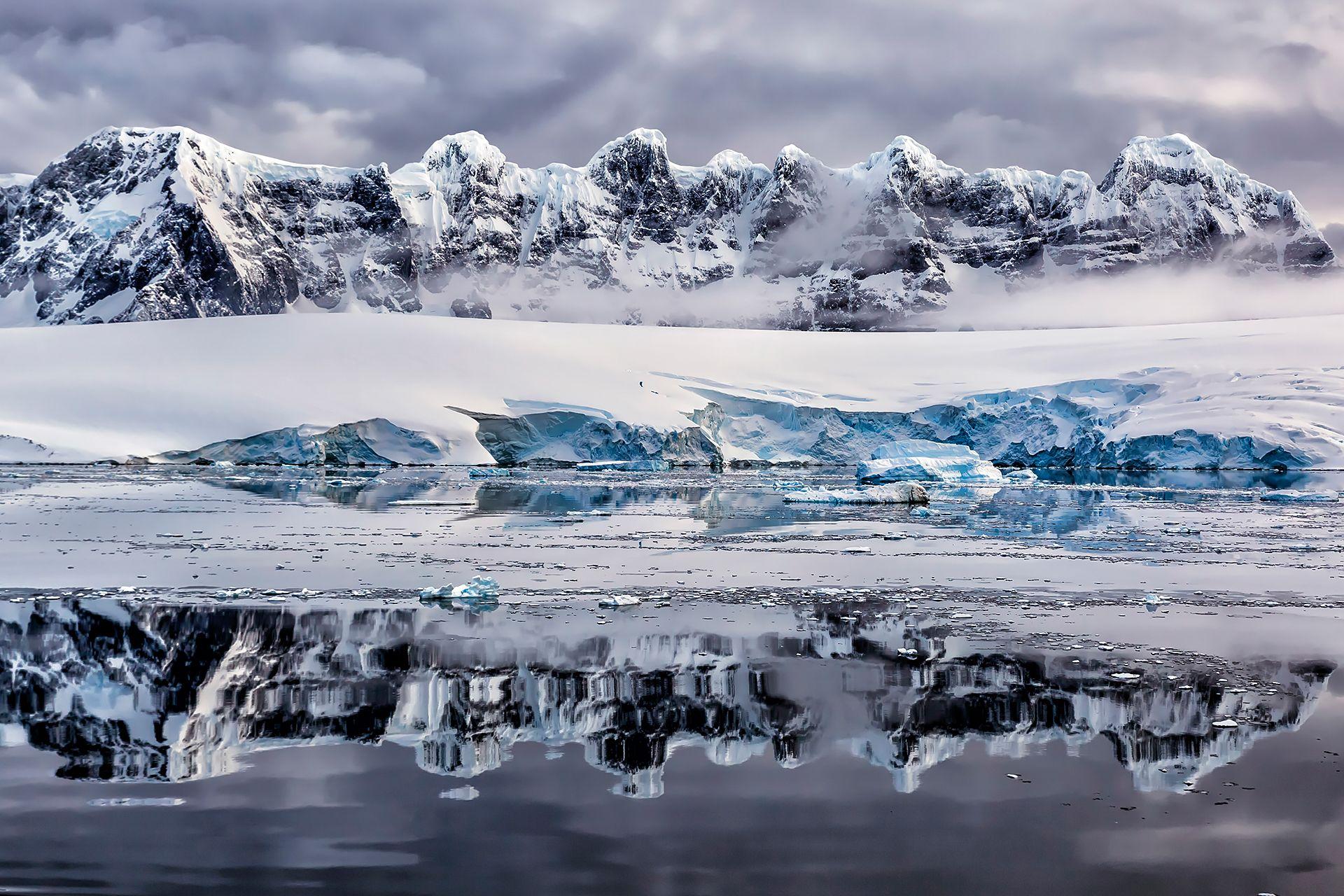 Freezing Reflections